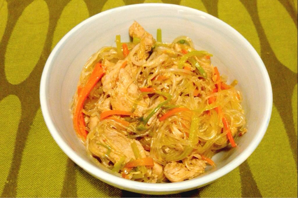 wok med glasnudlar